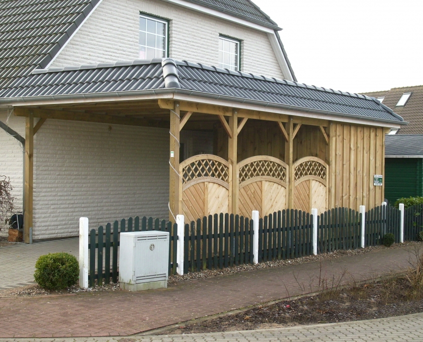 Carport mit Walmblende aus Dachziegeln
